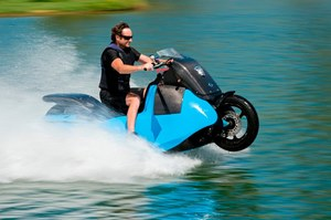 Motocykl - amfibia. Zobacz, co potrafi!