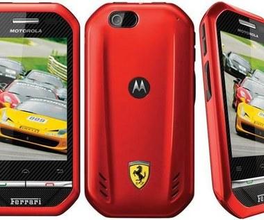 Motorola i867 - maska Ferrari, a pod nią silnik malucha