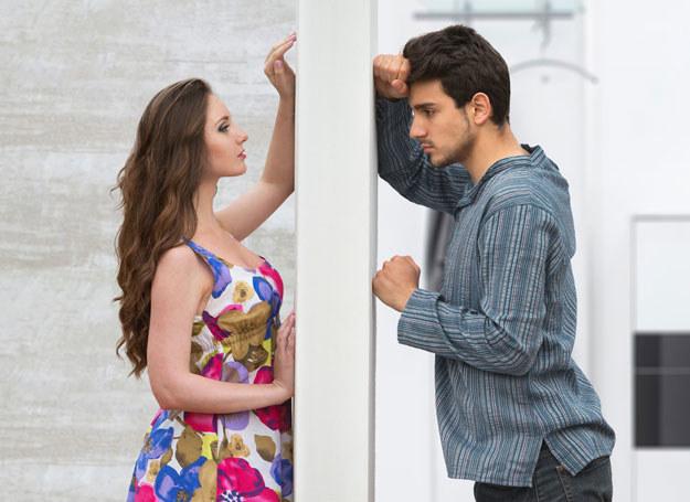 Mówisz do męża, ale masz wrażenie, że on cię nie rozumie? /©123RF/PICSEL