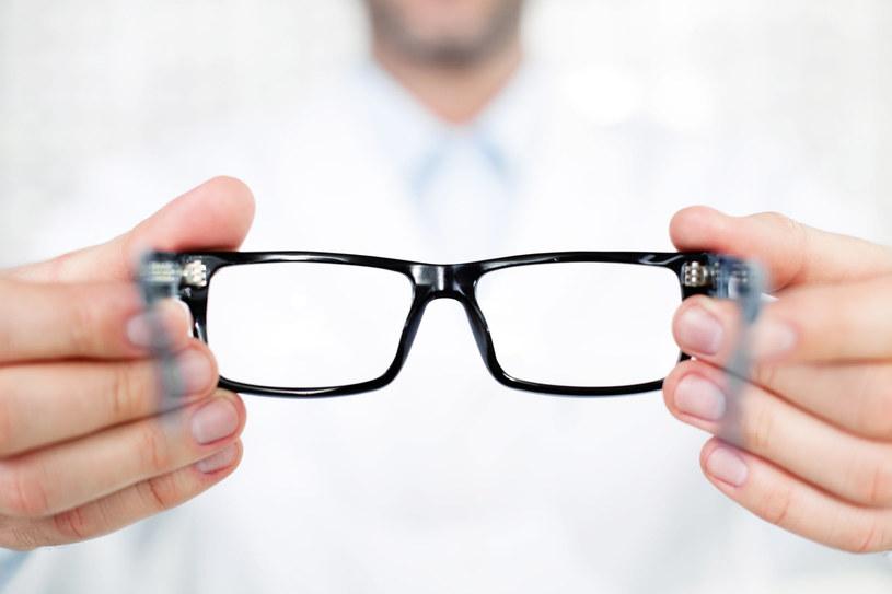 Może czas zmienić okulary? /123RF/PICSEL