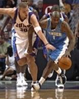Może w New Orleans Hornets Maciej Lampe będzie więcej grał niż w Phoenix Suns? /AFP