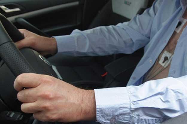 Możliwe, że dziadkowie bardziej stresują się jazdą... /INTERIA.PL