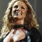 Można licytować gumę, którą żuła Britney /AFP
