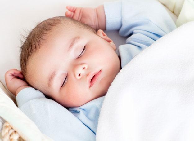 Można nauczyć dziecko samodzielnego zasypiania i spokojnego przesypiania nocy /© Panthermedia