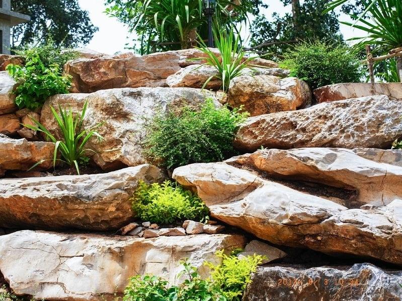 Można postawić na oryginalne ułożenie kamieni /©123RF/PICSEL