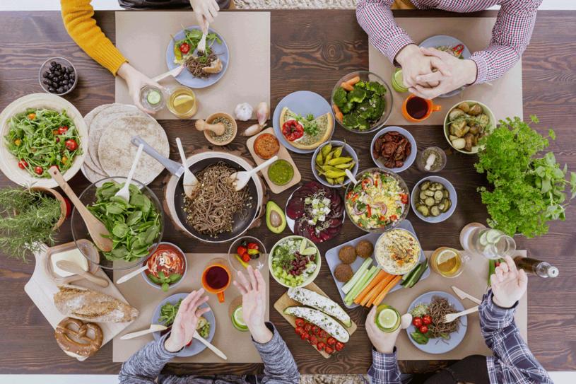Można przygotować urozmaicone wegańskie posiłki /123RF/PICSEL