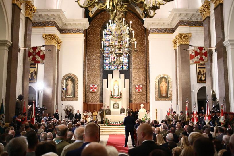 Msza św. odprawiona w Katedrze Polowej WP w intencji Ojczyzny /Leszek Szymański /PAP