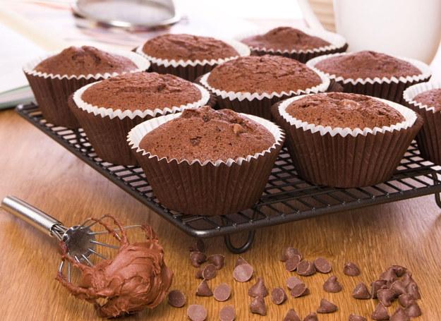 Muffiny czekoladowo-bananowe /123RF/PICSEL