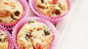 Muffiny z zielonymi oliwkami i papryką