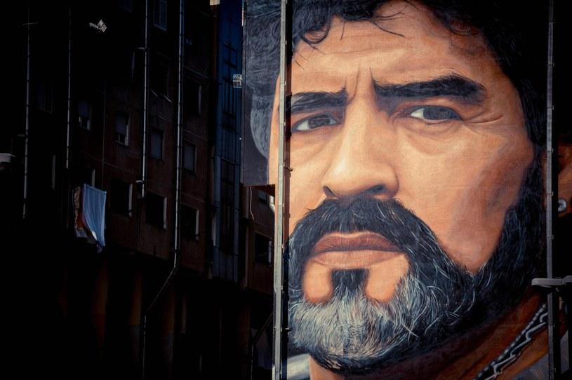 Mural z wizerunkiem Diego Maradony /PAP/EPA