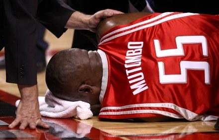Mutombo doznał poważnej kontuzji /AFP