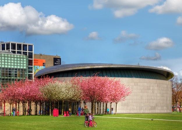 Muzeum Vincenta Van Gogha w Amsterdamie /123/RF PICSEL