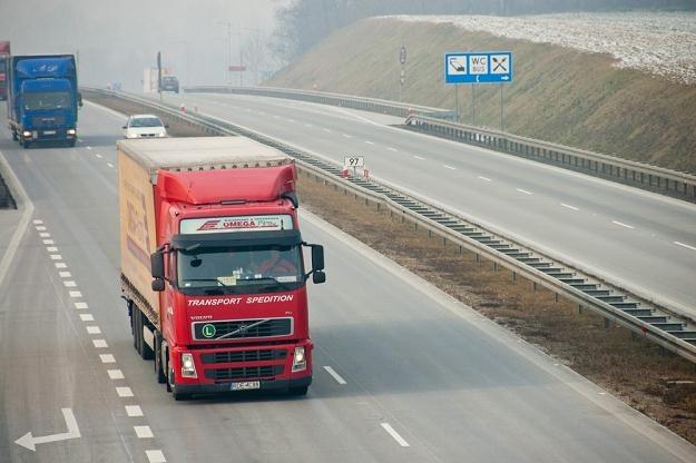 Na A4 pojawią się zakazy wyprzedzania dla ciężarówek / Fot: Łukasz Grudniewski /East News