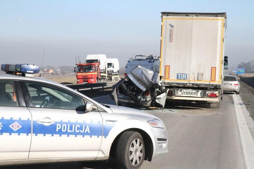 Na autostradach coraz częściej dochodzi do wypadków /Jarosław Jakubczak /East News