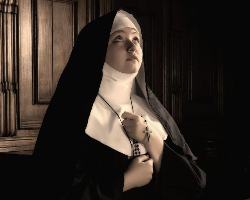 Na całym świecie dramatycznie spadła liczba zakonnic /123RF/PICSEL