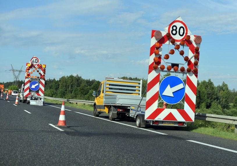 Na drodze S8 trzeba spodziewać się utrudnień /Adam Nocon/REPORTER /