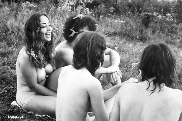Na festiwale letnie pod koniec lat 60. zjeżdżały tysiące ludzi. Tu festiwal Woodstock, rok 1969. /East News