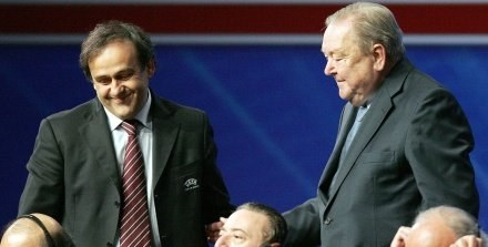 Na linii Platini  - Johansson panują dobre stosunki /AFP