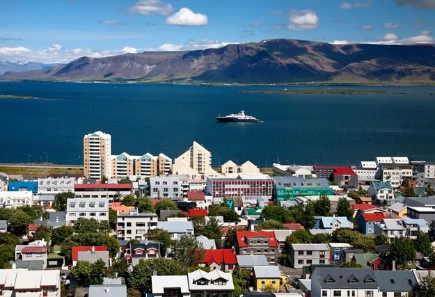 Na mapie europejskich ofert pracy, jako nowy kierunek, pojawia się Islandia (nz. Reykjavik) /123RF/PICSEL