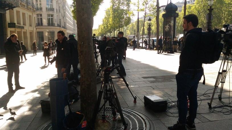 Na miejscu ataku pojawiły się liczne ekipy telewizyjne /Michał Michalak /INTERIA.PL