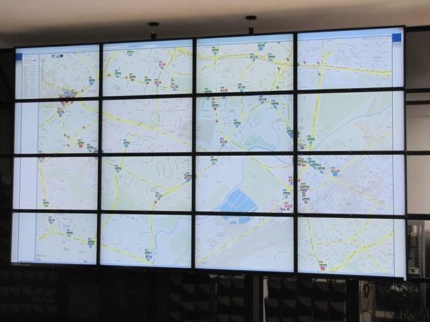 Na monitorach wszystko widać, jak na dłoni /RMF