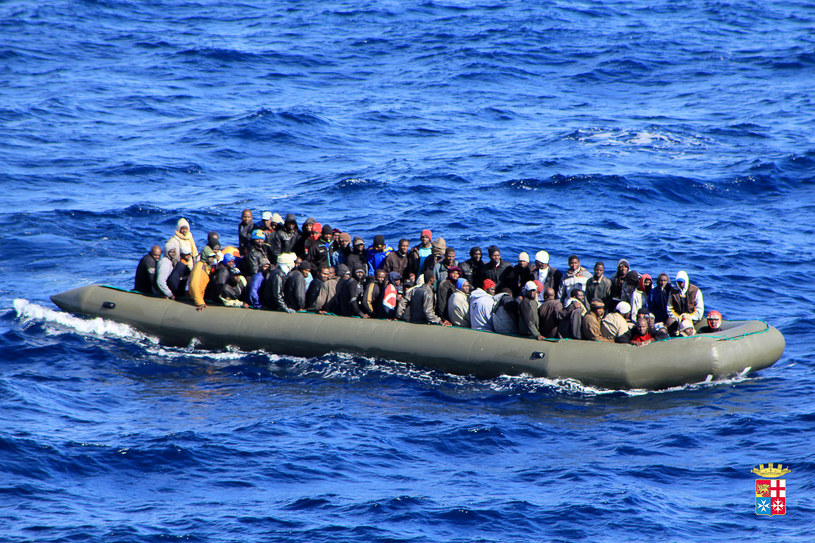 Na Morzu Śródziemnym bezprecedensowo wzrosła liczba ludzi uciekających przed wojnami /AFP