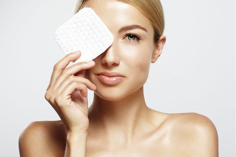 Na nic zdadzą się najdroższe kremy przeciwzmarszczkowe, jeśli nie zadbasz o dokładne oczyszczenie twarzy /123RF/PICSEL