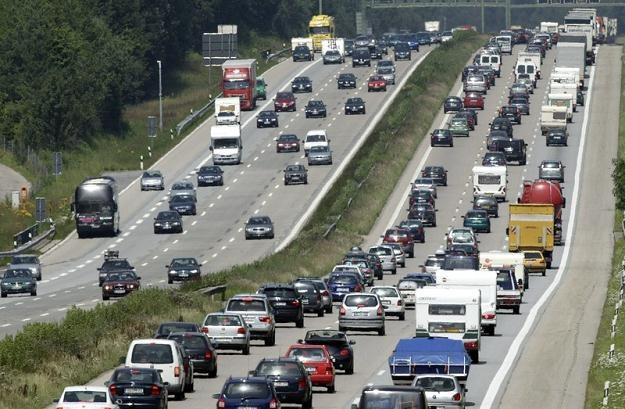 Na niemieckich drogach ginie coraz mniej osób /East News