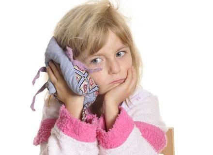 Na ostre zapalenie uszu cierpi ponad połowa dzieci poniżej 3. roku życia /© Panthermedia