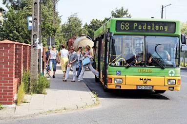 Na pętli autobusowej na Podolanach nie sposób kupić biletu MPK / fot. M. Zakrzewski /EchoMiasta_Poznań
