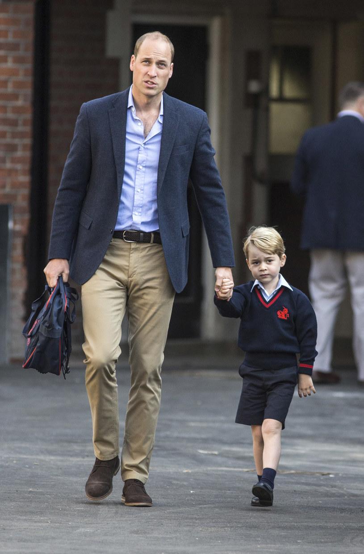 Na pierwsze zajęcia odprowadził George`a ojciec /Getty Images