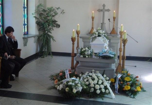 Na pogrzeb bezimiennego chłopca przybyły tłumy  / fot. W. Trzcionka /Gazeta Codzienna
