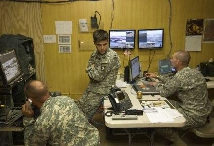 Na razie nowe baterie testowane są przez wojsko, ale w przyszłości mają trafić na rynek cywilny /AFP