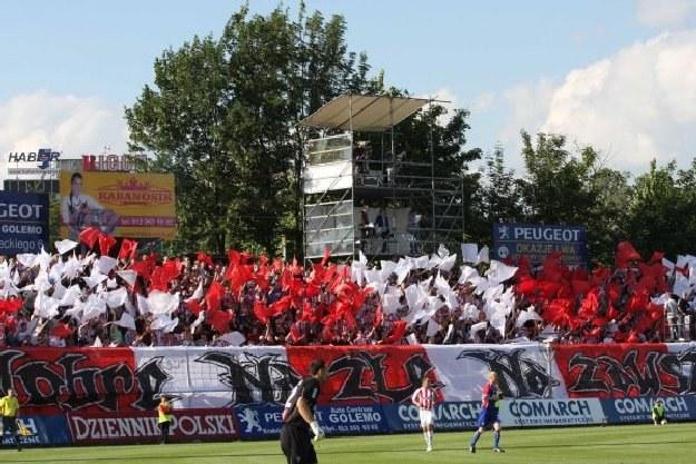 Na stadion Cracovii przychodzą też literaci, artyści i naukowcy. /INTERIA.PL