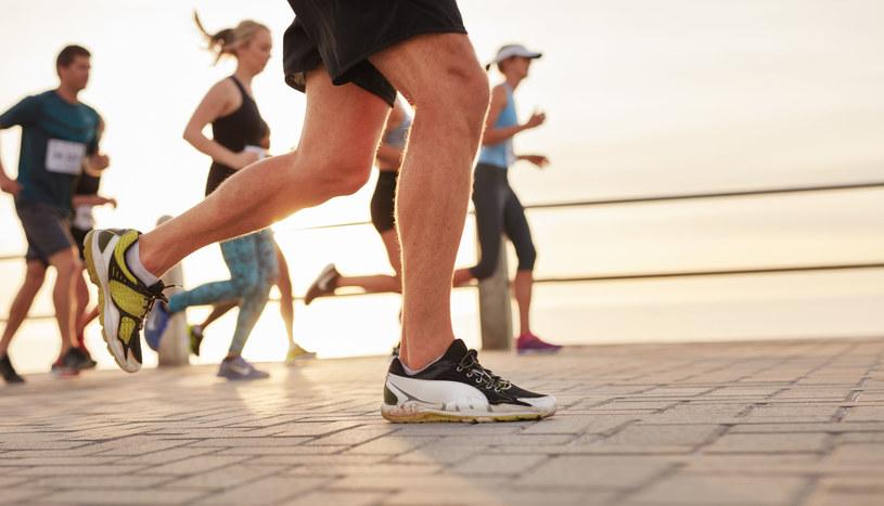 Na świecie jest wielu biegaczy, którzy są wegetarianami i weganami! /123RF/PICSEL