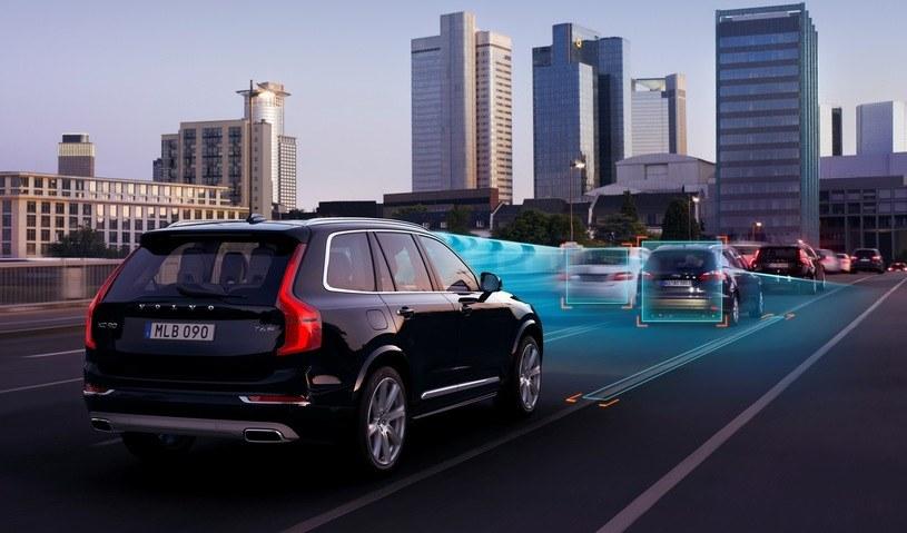 Na świecie są już wyznaczone strefy, na których testuje się pojazdy autonomiczne. Przykładowo Volvo robi to pod Goeteborgiem /