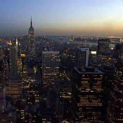 Na trzecim miejscu w zestawieniu znalazł się Nowy Jork ze średnim wynagrodzeniem 19 USD za godzinę /AFP