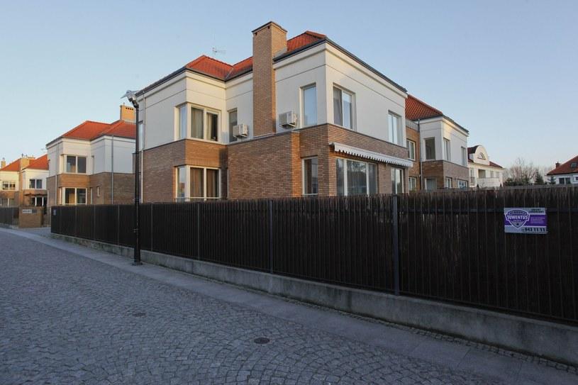 Na tym wilanowskim osiedlu mieści się willa Hakielów! /- /East News