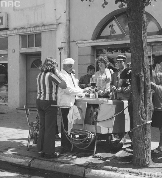 Sprzedaż wody sodowej z saturatora w Działdowie
