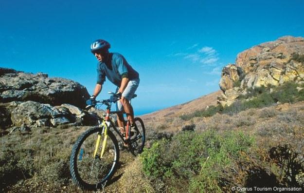 Na wyspie jest  ok. 40 tras rowerowych. Niektóre są sporym wyzwaniem nawet dla wytrwanych kolarzy.