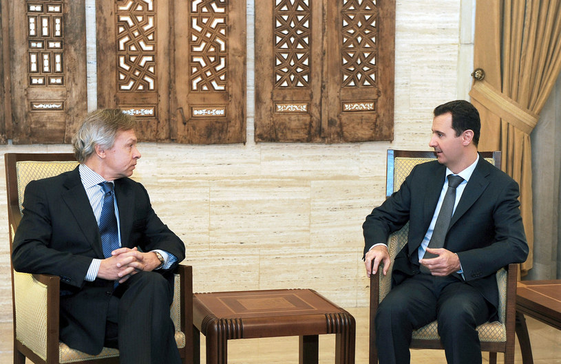 Na zdjęciu Aleksiej Puszkow (z lewej) na spotkaniu z prezydentem Syrii Baszarem al-Asadem /HO/SANA /AFP