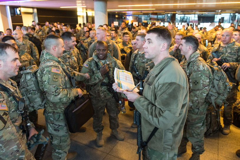 Na zdjęciu: Amerykańscy żołnierze na lotnisku Wrocław-Strachowice /Maciej Kulczyński /PAP