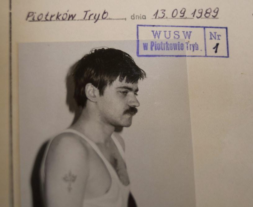 Na zdjęciu archiwalnym z 20.01.2014 roku, akta sprawy karnej przeciwko Mariuszowi Trynkiewiczowi /Grzegorz Michałowski /PAP