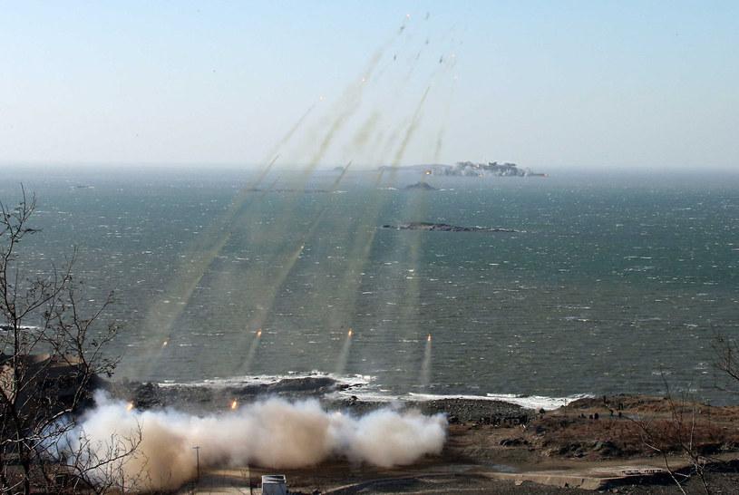Na zdjęciu ćwiczenia północnokoreańskiej obrony przeciwrakietowej /KCNA/KNS /AFP