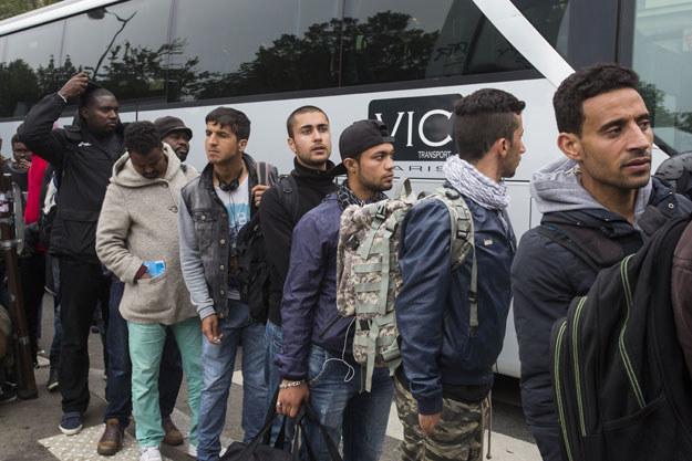 Na zdjęciu: Emigranci z obozu Jardin d'Eole w Paryżu /AFP