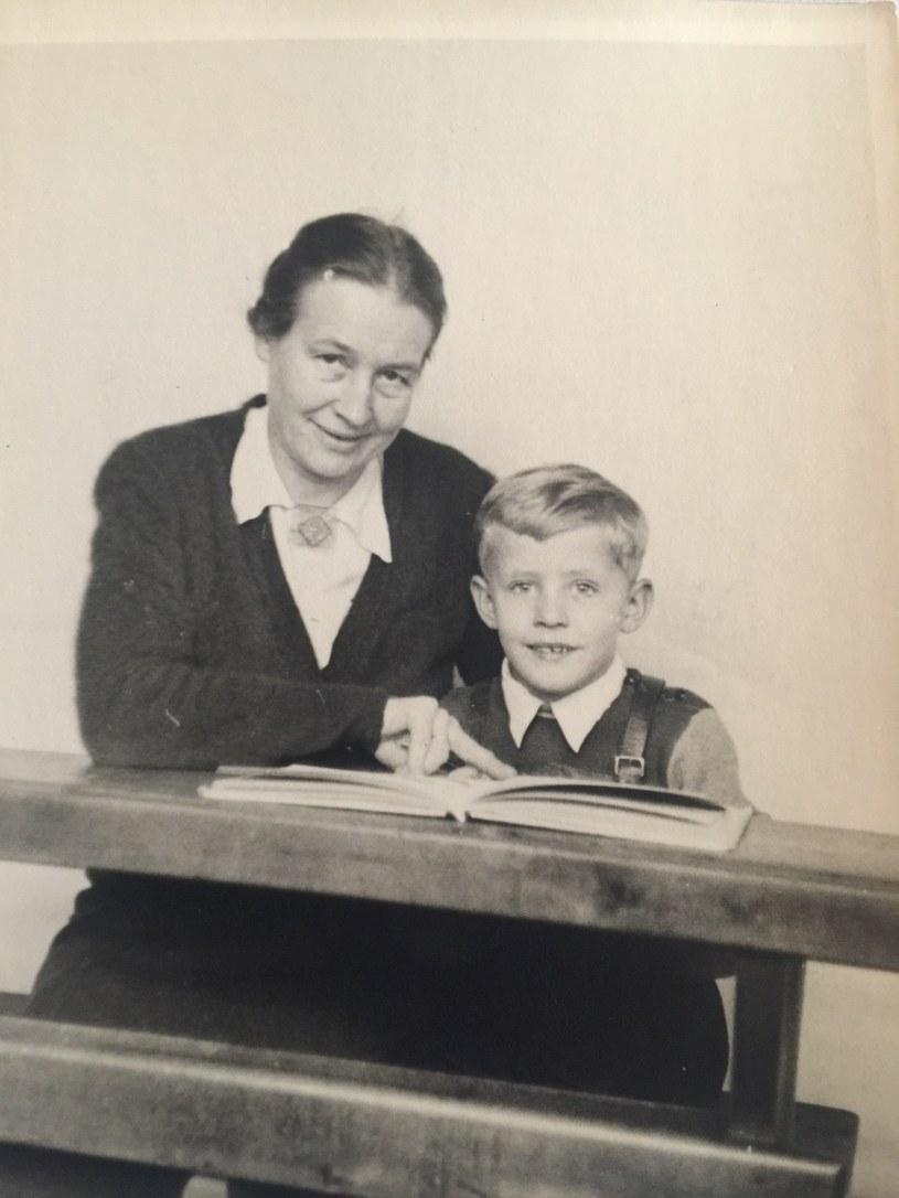 Na zdjęciu mały Hermann Lüdeking z przybraną matką Marią Lüdeking, działaczką nazistowskiej organizacji Bund Deutscher Mädel /Archiwum prywatne Hermanna Luedekinga /INTERIA.PL