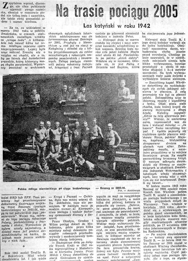 Na zdjęciu odkrywcy mogił katyńskich na tle jednego z wagonów niemieckich pociągu budowalnego. /Odkrywca