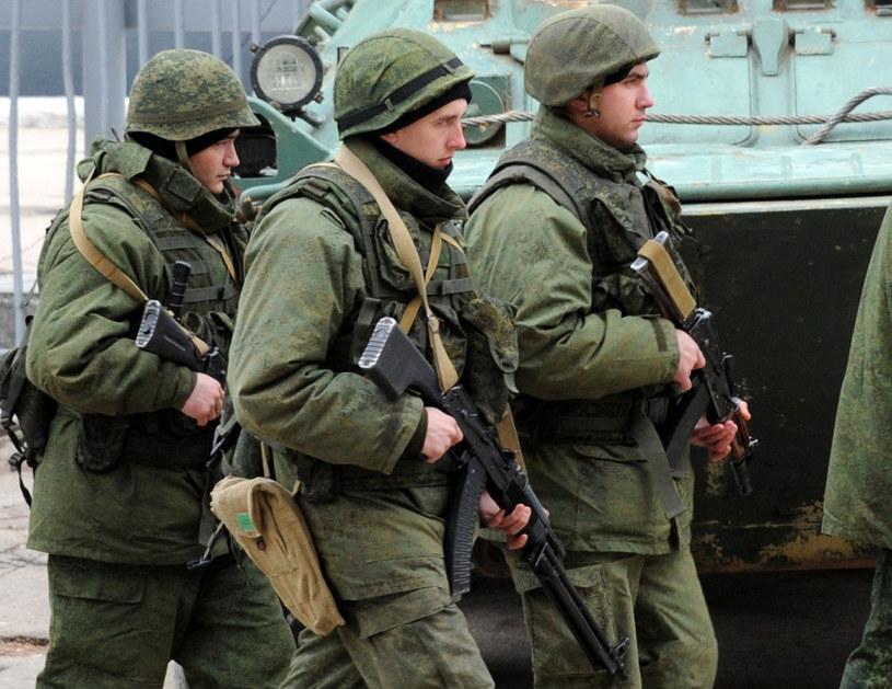 Na zdjęciu rosyjskie siły okupacyjne w Sewastopolu /VIKTOR DRACHEV /AFP