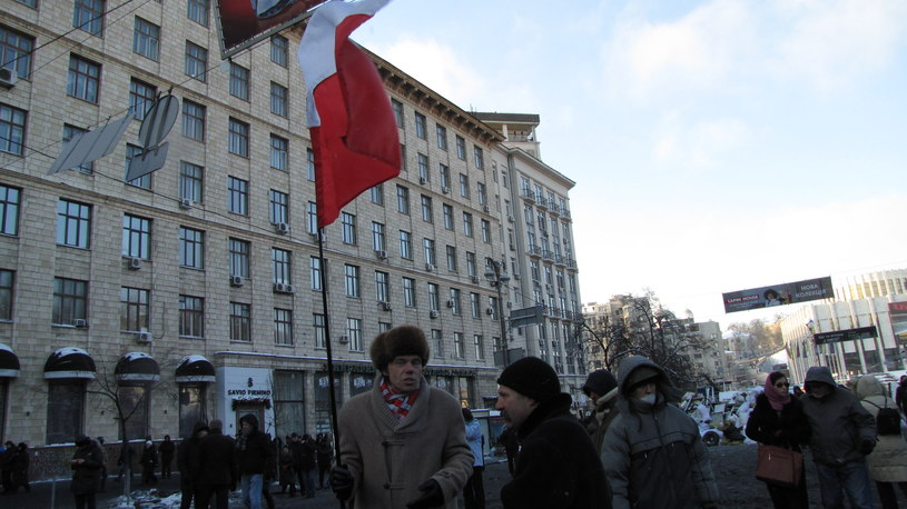 Na zdjęciu Włodzimierz Iwanczenko z polską flagą /Przemysław Marzec /RMF FM