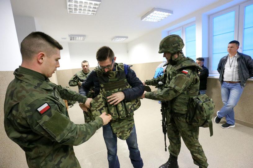 Nabór do WOT w Białymstoku /Anatol Chomicz /East News